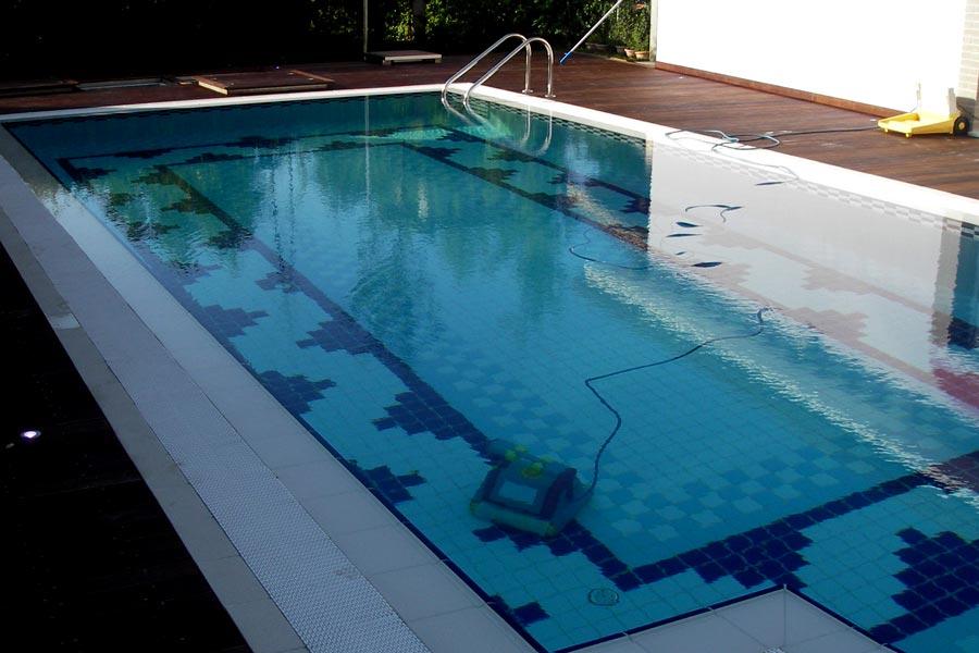 Robot pulitori - Pulitore per piscina ...